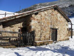 nuestras rutas cabaña en la montaña